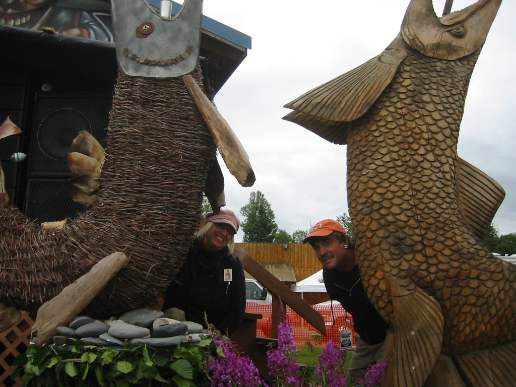 Mavis & Dana salmon sculptures Salmonstock